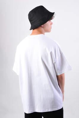 Dark Future Nakışlı Beyaz Oversize Erkek Tişört