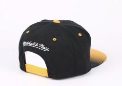 Mitchell And Ness - Boston Bruins Sarı Ve Siyah Snapback Cap - Thumbnail