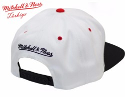 Mitchell And Ness - Chicago Bulls Beyaz Snapback Cap - Thumbnail