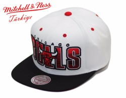 Mitchell And Ness - Mitchell And Ness - Chicago Bulls Beyaz Snapback Cap