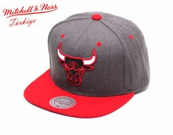 Mitchell And Ness - Mitchell And Ness Chicago Bulls Gri Snapback Cap Şapka