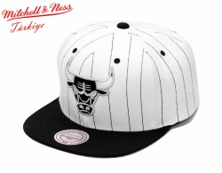 Mitchell And Ness - Mitchell And Ness Chıcago Bulls Siyah Çizgili Snapback Cap