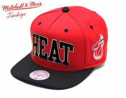 Mitchell And Ness - Mitchell And Ness Heat Kırmızı Metal Detaylı Snapback Cap