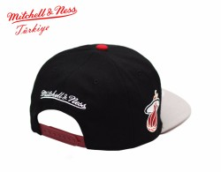 Mitchell And Ness Miami Heat Snapback Cap - Thumbnail