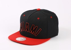 Mitchell And Ness - Mitchell And Ness Miami Siyah Ve Kırmızı Snapback Cap