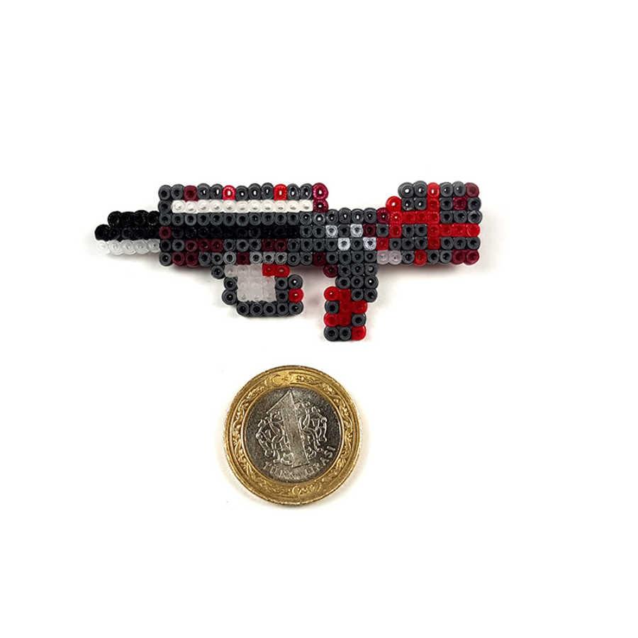 Pixel Art Famas Survivor Z Rozet - Turuncu