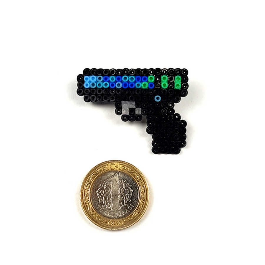 Pixel Art Glock-18 Off World Rozet - L