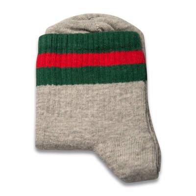 Yeşil Kırmızı Çizgili Gri Çorap